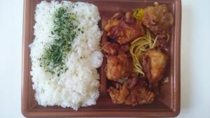 若鶏の唐揚弁当-ファミリーマート2