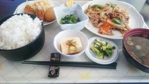 日替わりランチ(ご飯大盛り)-キッチン味彩