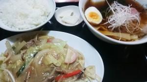 野菜炒め+醤油ラーメン+ライス1-お食事処多久好