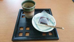 お茶菓子を出していただきました-常川屋半田店