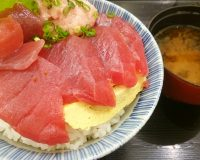 鮪とネギトロ丼1-漁港めし家牧原鮮魚店