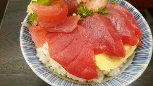 鮪とネギトロ丼2-漁港めし家牧原鮮魚店