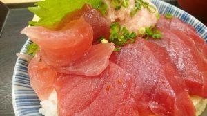 鮪とネギトロ丼3-漁港めし家牧原鮮魚店