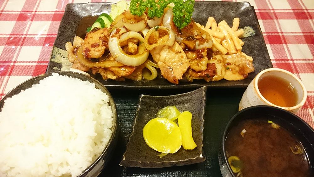 黒豚焼き肉定食-クッキングハウスA
