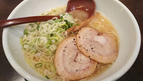 京都鶏ガラとんこつ醤油ラーメン-よってこや新宿南口店